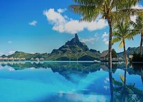 Raiatea, French Polynesia / Motu Mahaea (Tahaa)